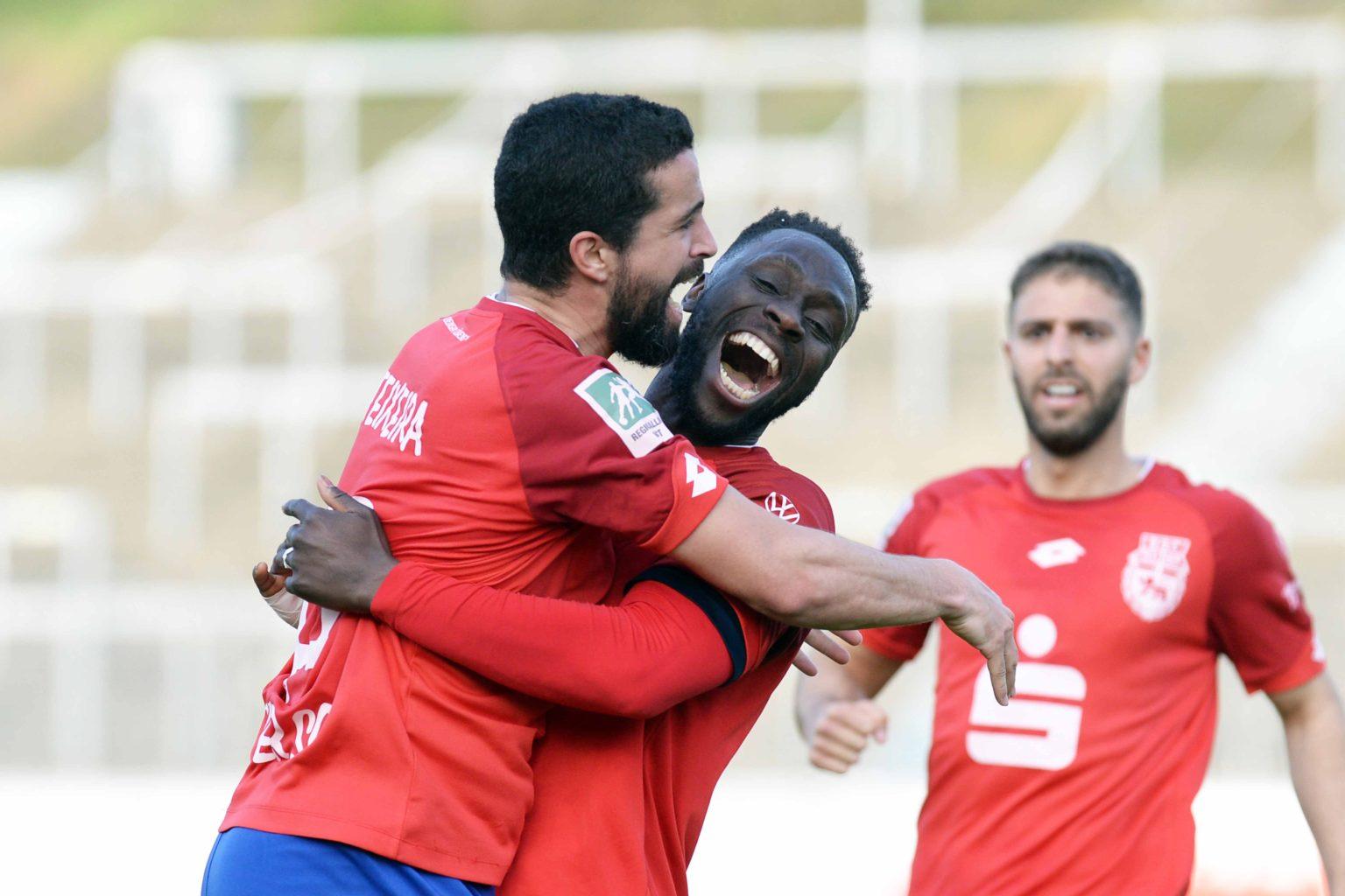 DSC_0537 Teixeira + Somuah nach 1-0